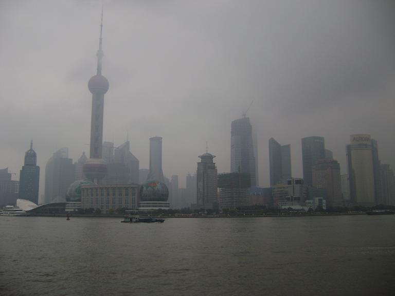 http://www.nematome.info/ChinaBlogPics/Bund_Pudong.jpg